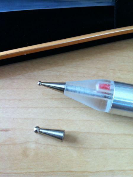 お届け時は耳つぼ用のペン先になっています。