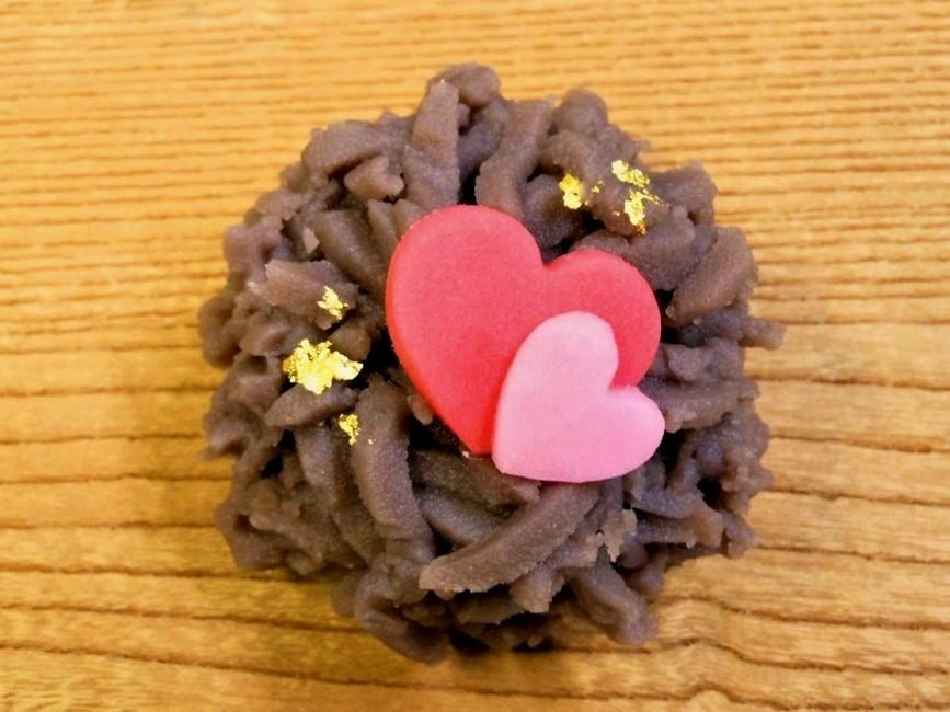 バレンタインの和菓子「ときめき」。
