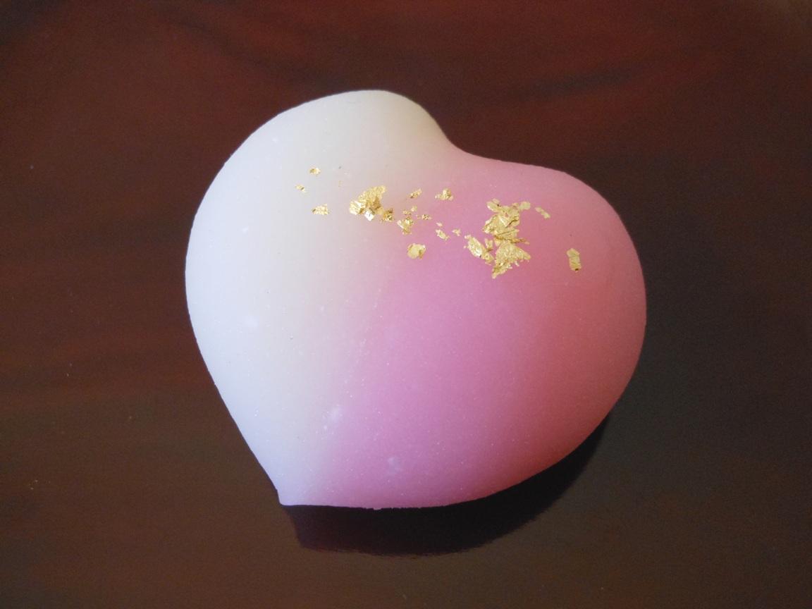 バレンタインにおすすめのハート型の和菓子です。