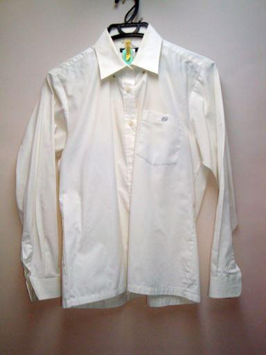 長袖プラウス。退色&胸ポケットにシミあり