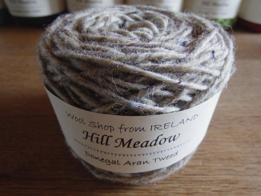 """<font color=""""#663333"""">アイルランドの伝統的な毛糸ツイードヤーン</font>"""