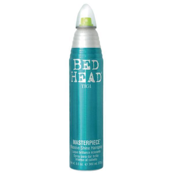 BED HEADマスターピース(艶出しホールドヘアースプレー)<div>不運割りとしたスタイリングの仕上げに明るく健康的な輝きを与える艶出しスプレー</div><div>ツヤを出しながらしっかりキープするスプレー</div><div>ショート ミディアム ロング等のオールタイプのライトなつや出しスプレー。</div><div>髪に艶を与え、なめらかな仕上がりに。また静電気を防ぎしっかりスタイルをキープします。</div><div><br></div><div>使用方法:ブロードライの後に神から20㎝ほど話してスプレーします。ポイントのスタイリングにも使えます。</div><div><br></div><div>またこのスプレーはヘアーセット後のスタイルを固めるだけでなく例えばワッフルアイロンでボリュームを維持したい時にはヘアースタイルの下から吹き付ければそのボリュームを落とすこと無く長時間ふんわりとしたスタイルを維持することが出来ます。</div><div><br></div><div>髪の表面だけを固めたくない方にレザンお勧めのハードスプレーです。</div>