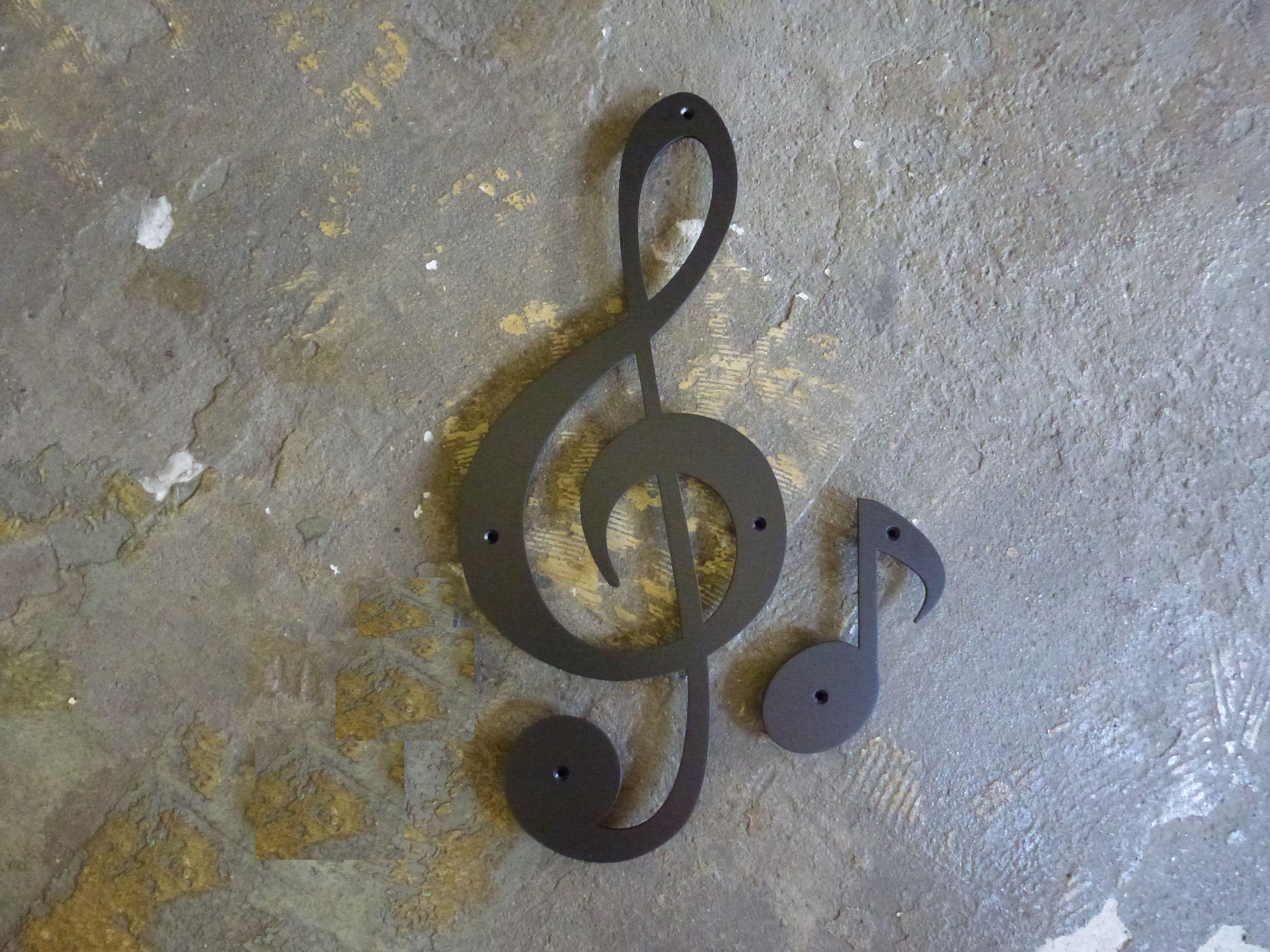 ト音記号と八分音符1個の組み合わせです。