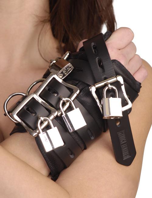 BDSM緊縛拘束セルフボンデージ自縛プレイ自虐オナニー ストリクトレザー 4バックルサスペンションカフス