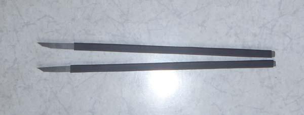 長さは12センチで黒いグリップになってる部分で10センチです 現在は後ろの部分にサイズを書いてます