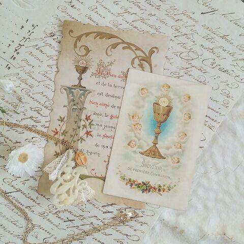 スズラン型のペンダントと選べるカードのセットです。