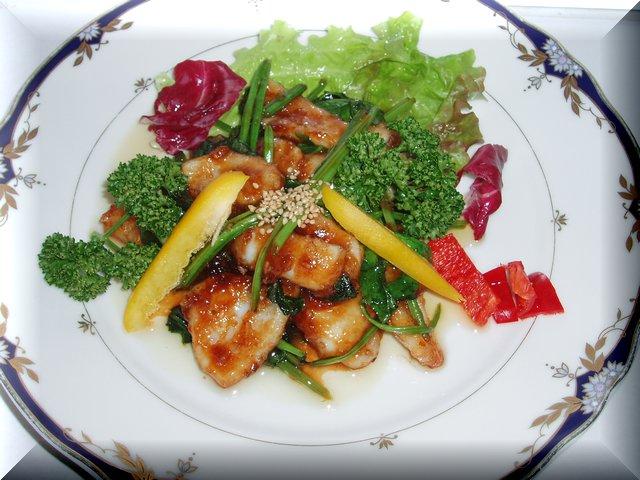 イカと青菜の中華炒め。ご飯が進むあまじょっぱさ。