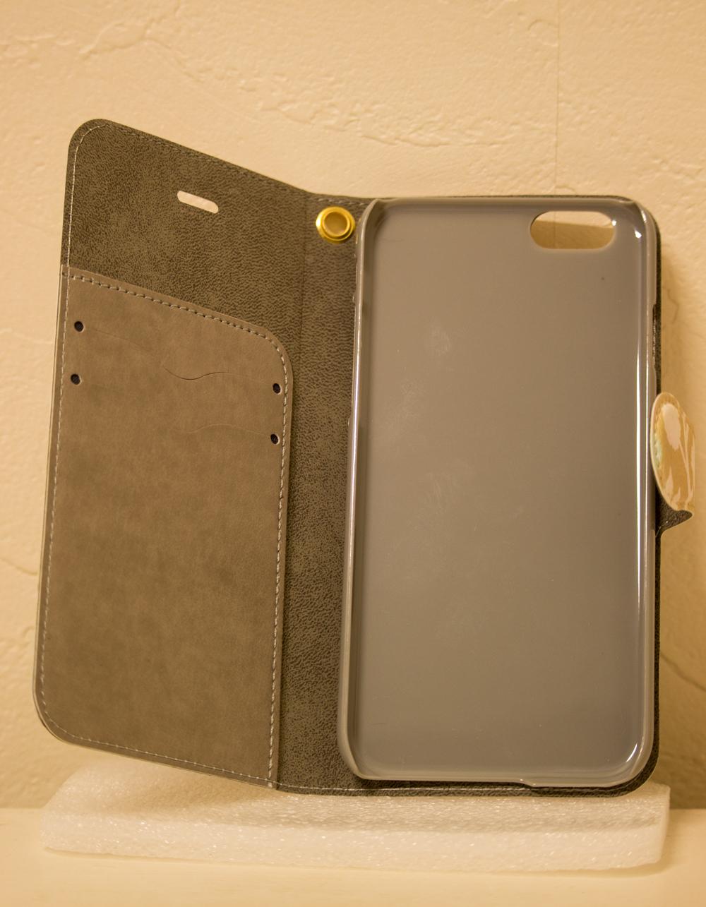 再販分はケース(右側グレーのケース部分)の色がクリアになります。