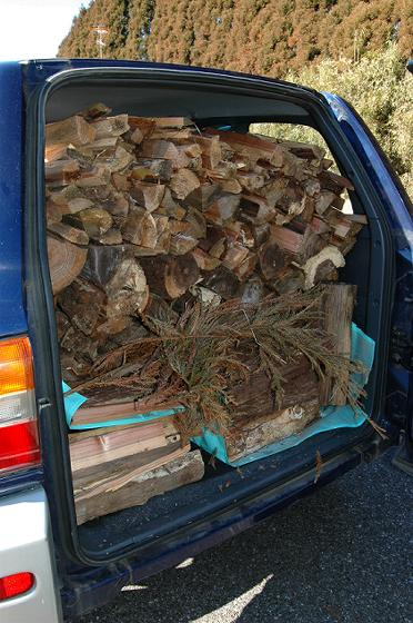 乗用車に積み込むとこんな感じです