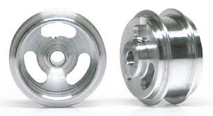 ◆SlotIt製 1/32スロットカー用 超軽量アルミホイル<br>◆ダブルショルダータイプでディスクに穴あけ加工が施されたレース用のアルミホイル。各社のモデルに使える便利な商品。15.8x8サイズ<br>◆フィッティングやサイズについてはお問い合わせ下さい。<br>◆駆動部分の超軽量化はモーターのレスポンスが良くなり加速時のフィーリングが機敏になります。<br>★SlotItやNSRのタイヤと組み合わせてご使用下さい。工夫次第で使用範囲は広がります<br>