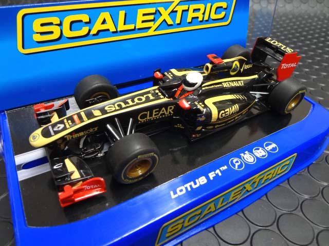 ★scalextric 1/32 スロットカー <br>◆ライコネンのLotus Renault GPが登場!今では稀少な人気モデルが再入荷です。<br>◆さぁカッコいいF1を走らせましょう。ご注文はお早めにどうぞ。<br>