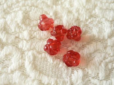 <P>薔薇ボタン5個セット</P><P>サイズ10mm</P>