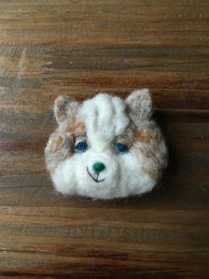羊毛モコモコブローチ