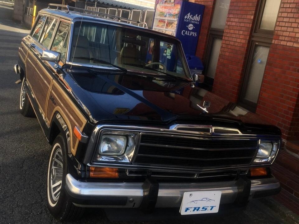 <br>車両情報:<br>ジープ グランドワゴニア <br>1991年式 4WD 1ナンバー登録車両<br>V8 5.9Lながら、税金が安くオススメの車両です!<br>