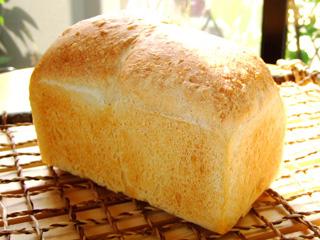 11.特選小麦の山食パン(1斤)