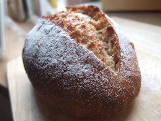 04.全粒粉入りパン