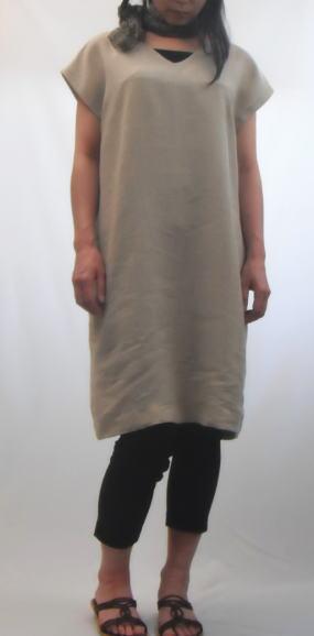 チュニックとして大活躍!やや透けがあるので、ご希望の方はペチコートスカートの型紙をプレゼント!