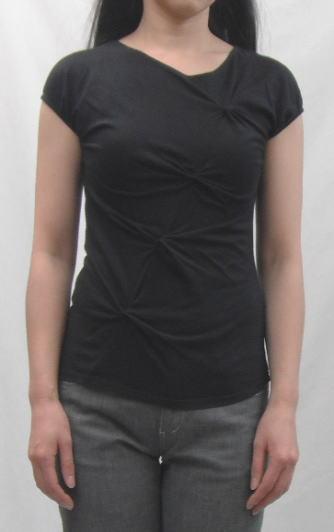 ネジリTシャツ黒1
