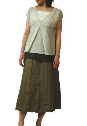 存在感のあるデザインで、ボトムにシンプルなスカートやパンツを合わせるだけで、お出かけ気分!
