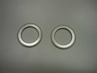 シリンダーヘッドとエキゾーストパイプの間に使用しているガスケット