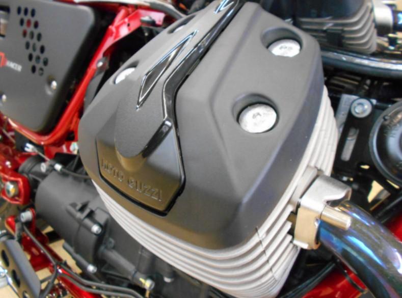 画像のヘッドカバー搭載エンジン適合部品