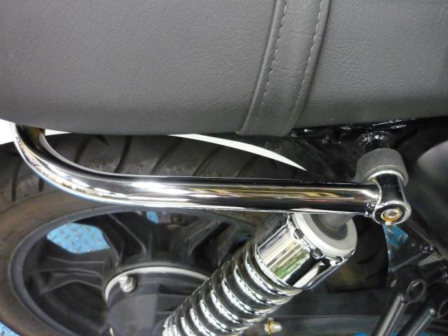 パッセンジャーハンドル標準装着モデルはバーを取り外して取り付けて下さい