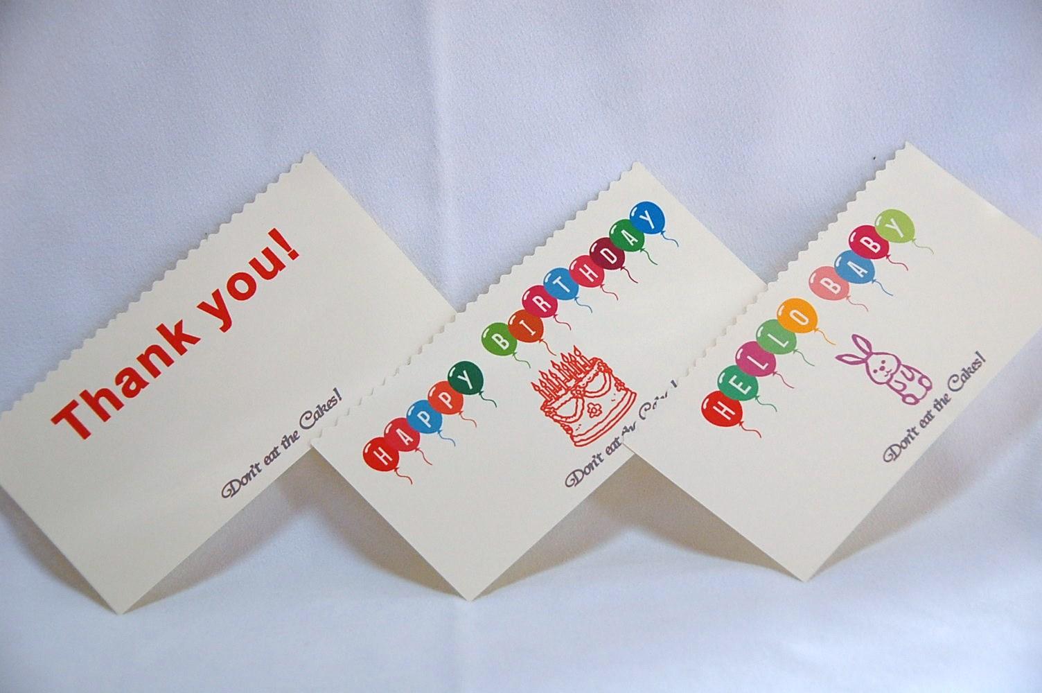 HELLO BABYのカードをつけられるケーキにはお名前入れも可能
