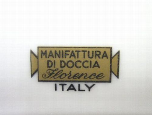 ドッチア窯 金ロゴ