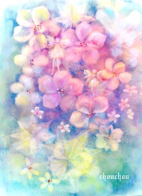 花の中を飛び回る妖精