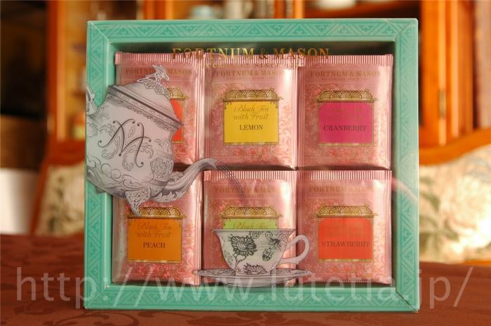 フォートナム&amp;メイソンのフルーツ・フレーバーティーのティーバッグ60個入りです。<br>このフルーツ・フレーバーティーは中国茶にフルーツの香りが加えられた紅茶になります。
