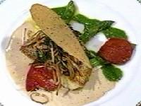 長崎産スズキのオリーブ焼き、平戸産アスパラガス添え