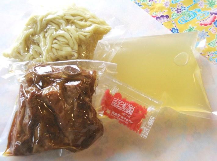 1食あたりのセット内容※お肉はソーキそばのお肉です。