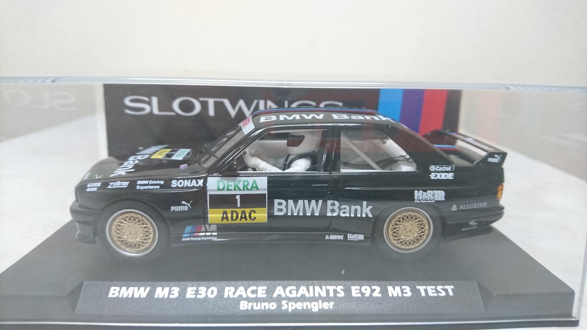<p>slotwings製のBMW M3です。</p><p>漆黒のボディが魅力的なボディは、FLYやFLYSLOTでおなじみのBMW M3のslotwings版となります。</p><p>豊富なカラーバリエーションを持ち、仕上げにこつがいるものの、ワンメイクレースの素材としても面白い存在です。</p><p>車体は、実車同様のFRレイアウトを採用。</p><p>しっかり仕上げて楽しみたい1台です。</p>