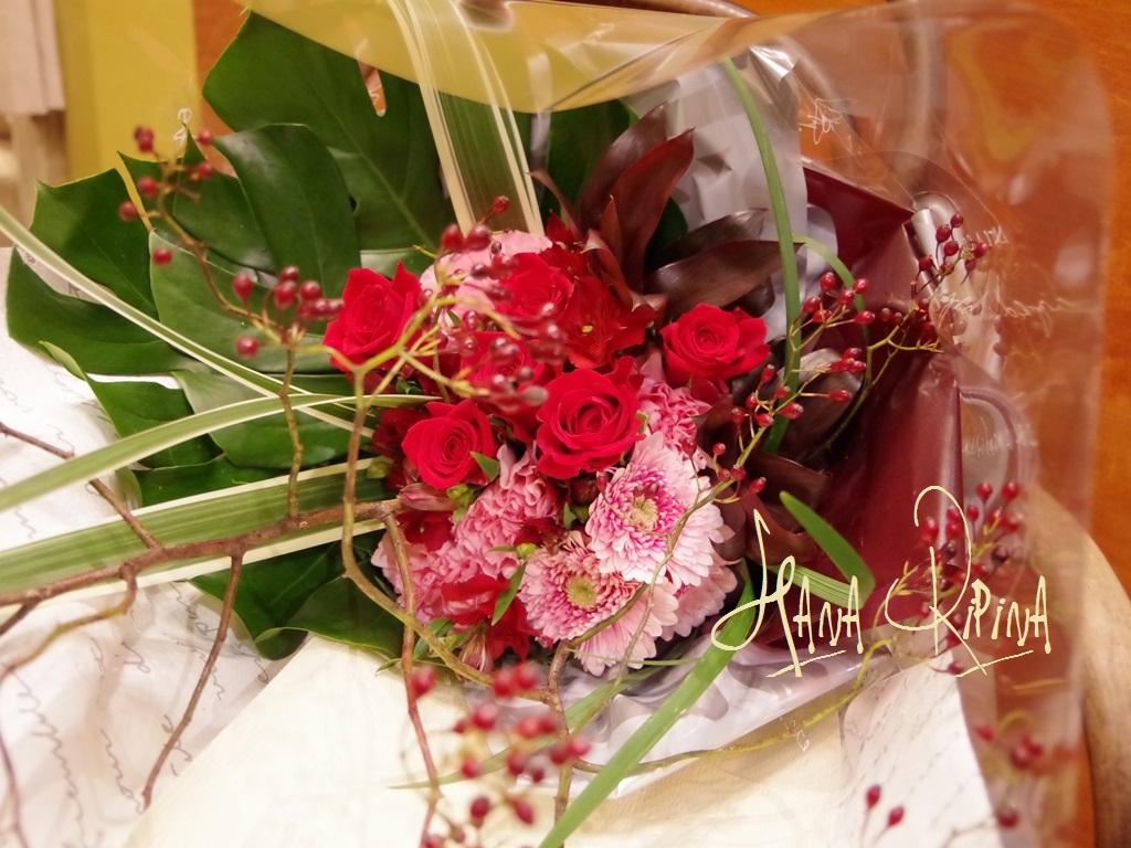 バラのみの入ったちょっぴり和な花束です。