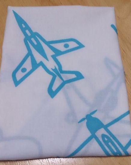 畳むとこんな感じ。飛行機好きなお子様達にも喜ばれています^^