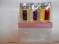 花まる養蜂が秋田県鹿角で採取した蜂蜜のセットです。<br>蜂蜜の味くらべ、ギフトへご利用いただける3種類の蜂蜜のセットです。内容量は80g×3本(極上あかしあ、あかしあ、とち)