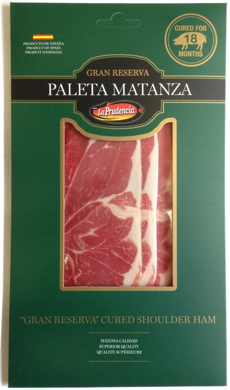 白豚の前脚を程よい厚さでスライスし、綺麗に剥がれるようインターリーブをスライスとスライスの間に挟み、50gの真空パックにしたもの。盛りつけには最高です。<br><br><br><br>品名   パレタセラーナスライス50g<br>ブランド La prudencia<br>内容量  50g<br>荷姿   50g×45パック<br>原産国  スペイン<br>保存基準 +15℃前後<br>賞味期限 18カ月<br><br>
