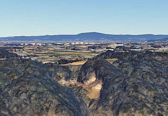 グーグルアースによるクレイの産出地の空撮