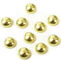 サイズ:直径5mm<br /><br />内容量:10個<br /><br />色:ゴールド<br /><br />☆アイロンの熱で貼り付けます。<br /><br /> ボンドで仮止めをして、裏から<br /> 熱を加えるか、表からアイロンを<br /> かける場合には必ずあて布を<br /> してください。