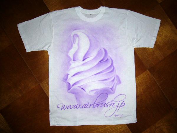 Tシャツに絵を描くことも出来ます!