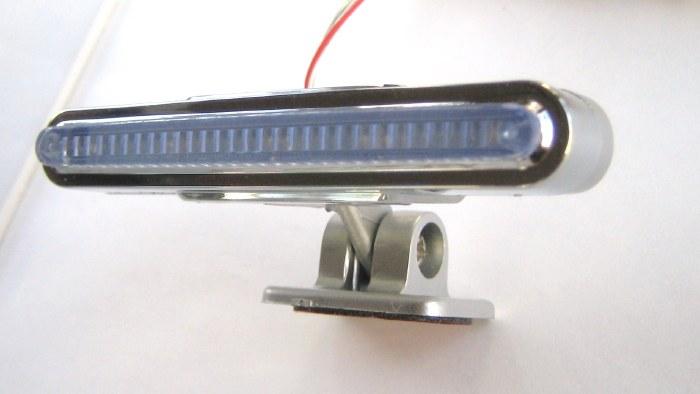 最も小さく軽いタイプです。<br>1個の価格です。左右ご希望の場合2個必要です。<br>重さは約20g(ステー含む)<br>消費電力は 0.7W(13.5V時)