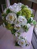 コレは完売必須ブーケ。爽やかな6月挙式や7月挙式の花嫁さんは即買いがオススメ。<br />前撮りする花嫁さんも、発色のよい造花ブーケなら美しい写真を残せます。<br /><br />完売しだい画面から消えちゃいますので急いでね。
