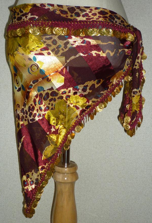 ヒップスカーフとして、またはヘッドスカーフとしても使える便利なスカーフ。  縦65cm×横146cm