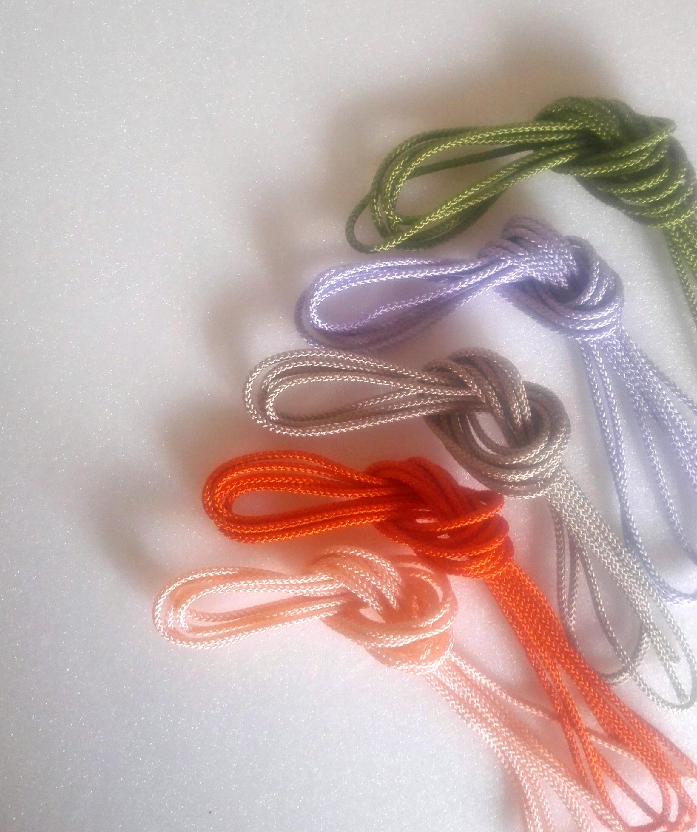 紐を組み合わせて作る韓国の飾り結び・メドゥプ用の組紐「セサ」です。5色カット済みです!