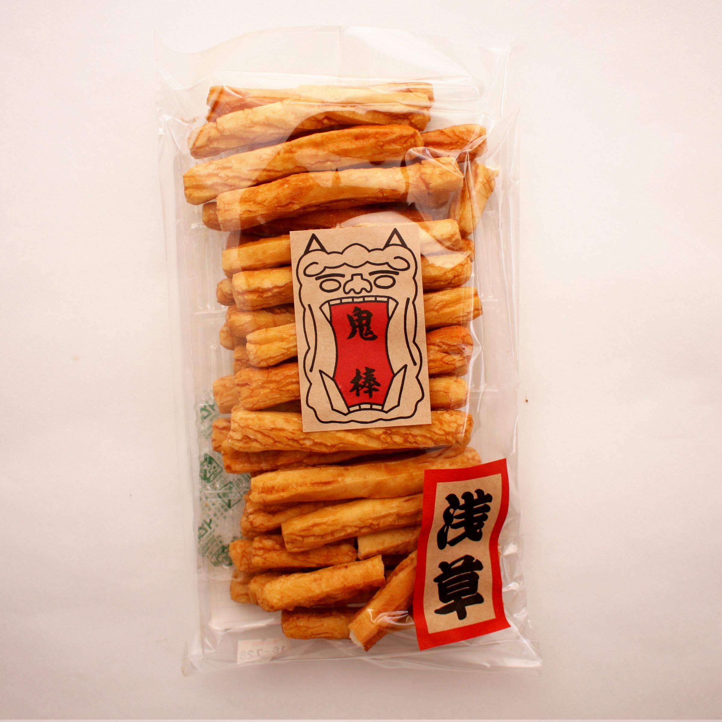 堅いけれども細長い棒状の形で食べやすい煎餅です。 桃太郎の鬼に金棒ならぬ鬼棒です。おためしの価値あり!