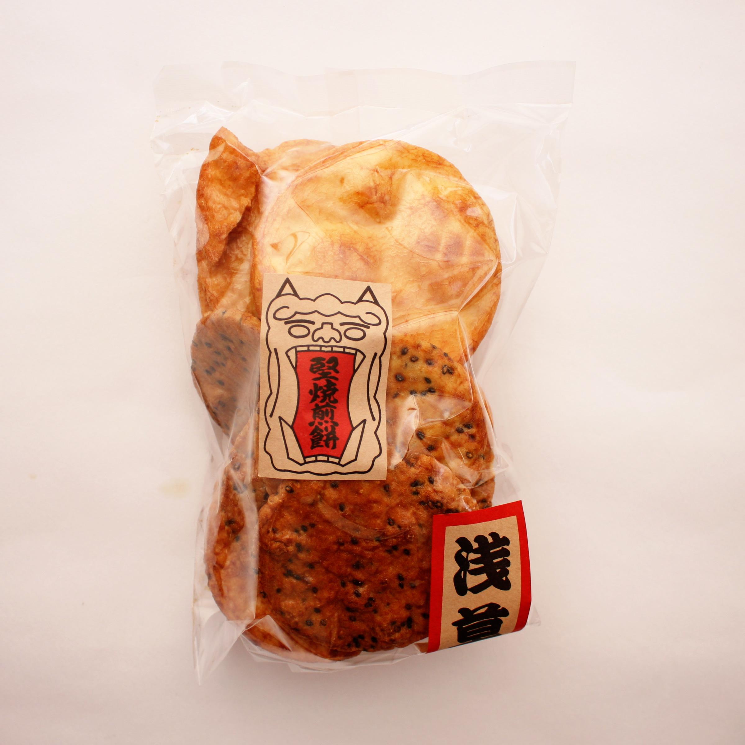 本来の厚焼き煎餅が1パックに醤油、胡麻、味噌のミックスされたものでいろいろなお味をお楽しみいただけます。