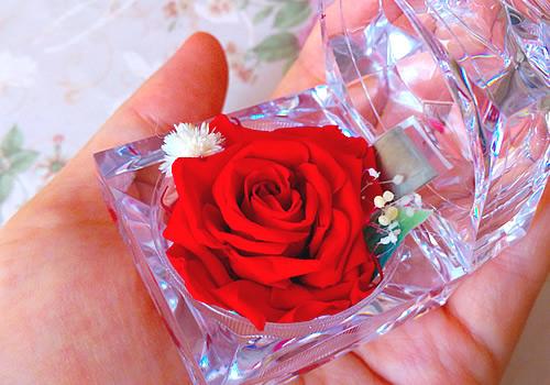 【送料無料】プリザーブドフラワー「一輪の宝石箱」とダマスクローズジャム