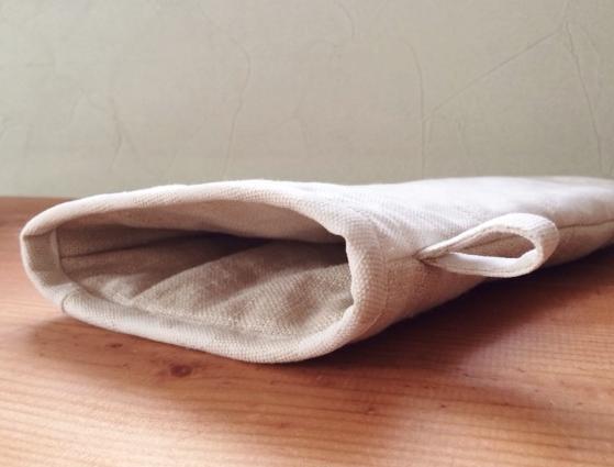 手のひら面の中綿は二重でしっかりしてます。