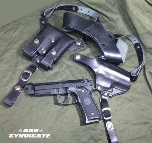 銃やマガジンは参考です