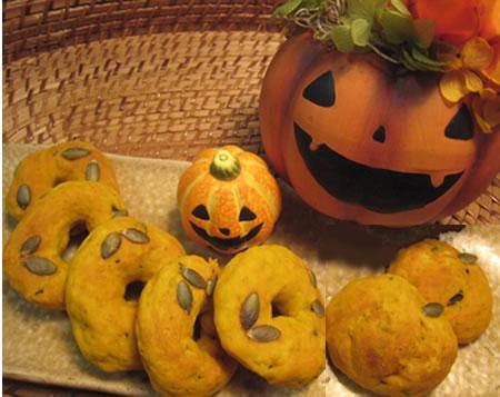 かぼちゃの形とドーナッツの形が両方入ってます♪